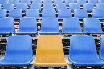 Diese sechs Strategien ergänzen Ihr Ticketing (leere Plätze im Stadion)